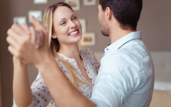 Wolni partnerzy i partnerki na zajęcia tańca towarzyskiego